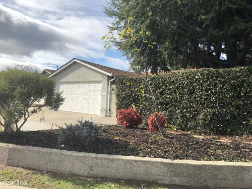 4901 Wayland Avenue Photo 1