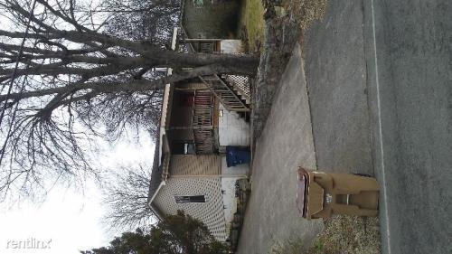 215 W Cedar Street Photo 1