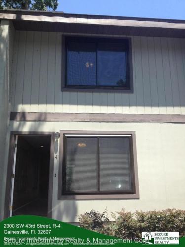 2300 SW 43rd Street Photo 1