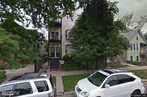 2433 W Fletcher Street Photo 1