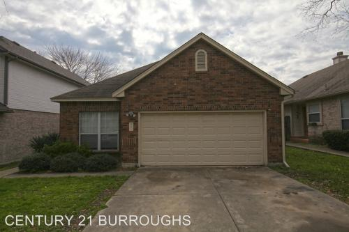 5854 Spring Crossing Photo 1