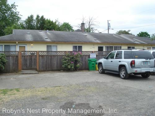 8812 SE Ellis Street Photo 1