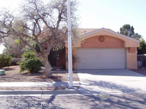 5075 Moon Shadow Place Photo 1