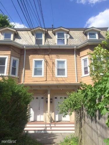 77 Bonair Street Photo 1