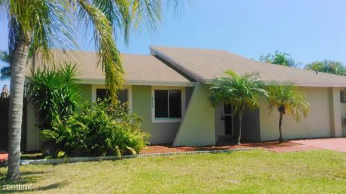 20631 SW 124th Place Photo 1