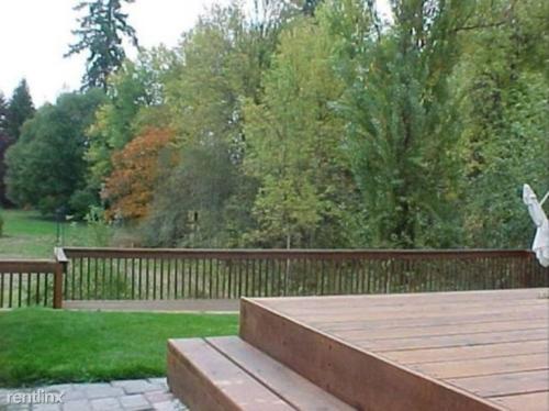 1290 NE Margeaux Place Photo 1