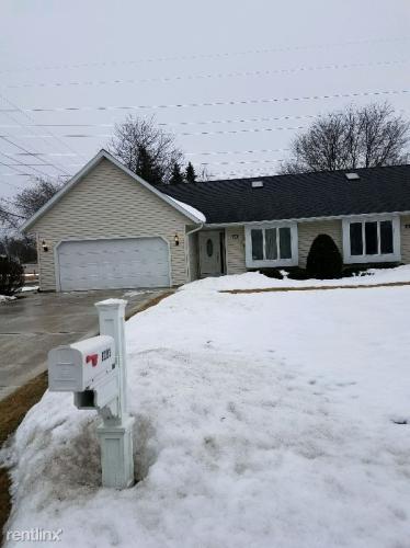 9203 W Waterford Avenue Photo 1
