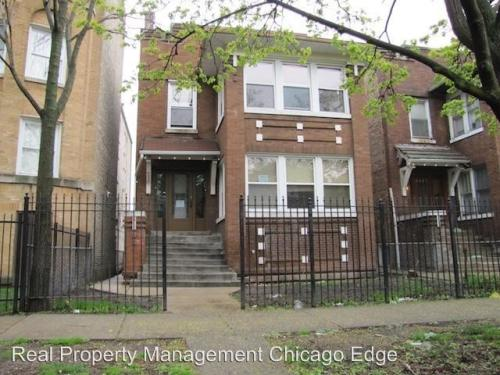 4832 N Avers Avenue Photo 1