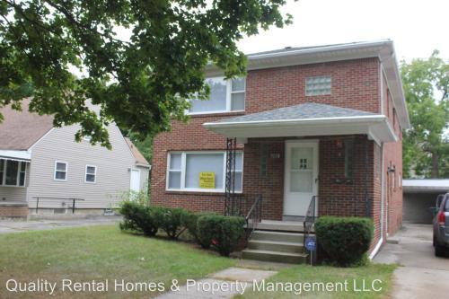 2102 E Court Street Photo 1