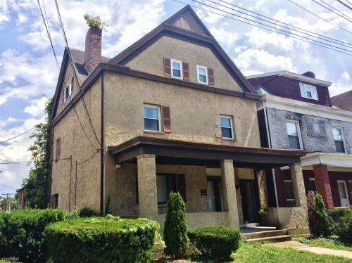 834 Highview Street Photo 1