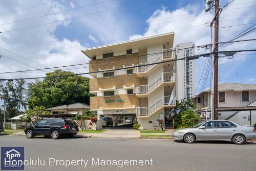 708 Palani Avenue #305 Photo 1