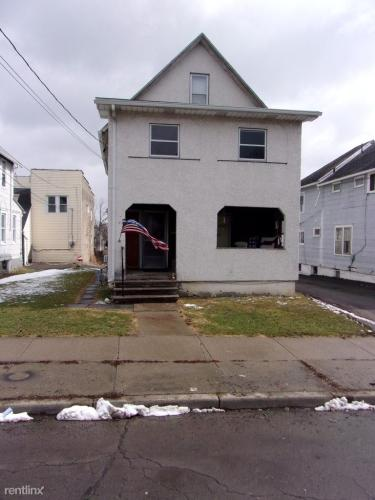 116 Squires Avenue Photo 1