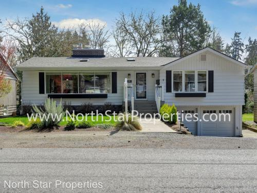 830 Lake Forest Drive Photo 1