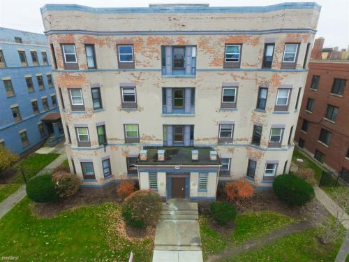 409 W Bancroft Street Photo 1