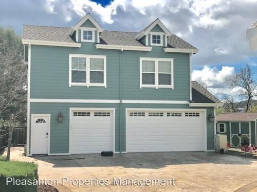 943 Hansen Rd Carriage House Photo 1