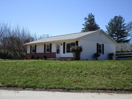 8240 Reece Heights Drive Photo 1