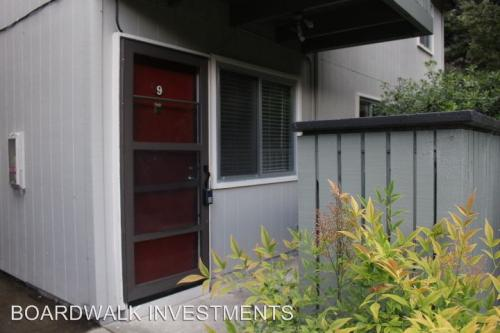 419 Piccadilly Place #9 Photo 1