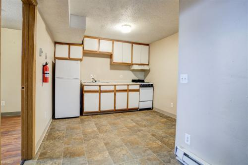 313 S Cascade Street Photo 1
