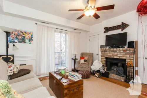 503 W Deming Place Photo 1
