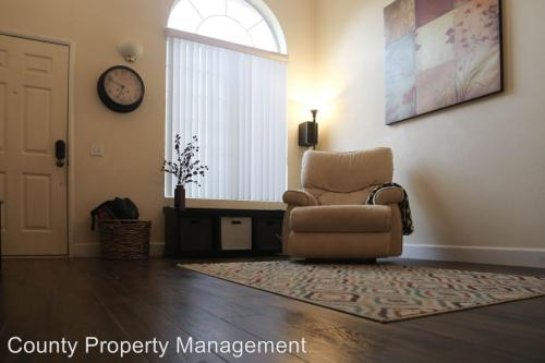 1215 Oyster Place Photo 1