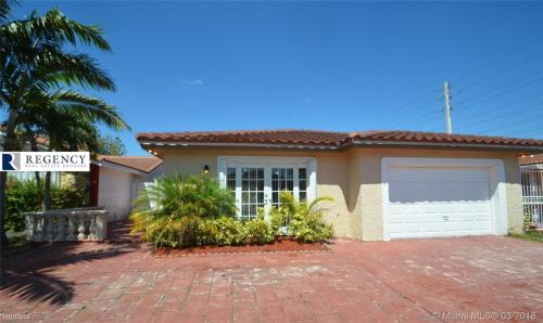 1757 SW 136th Place Photo 1
