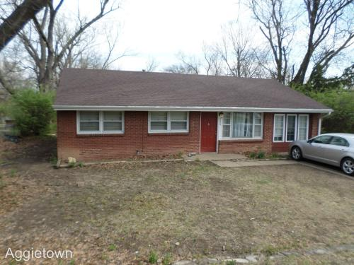 2034 College Heights Photo 1