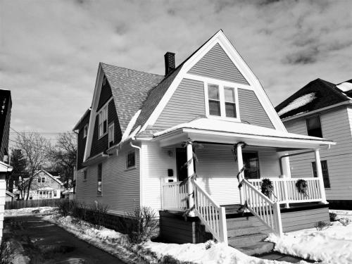903 Leonard Street NW Photo 1