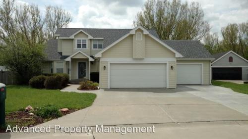 3821 Fox Ridge Drive Photo 1