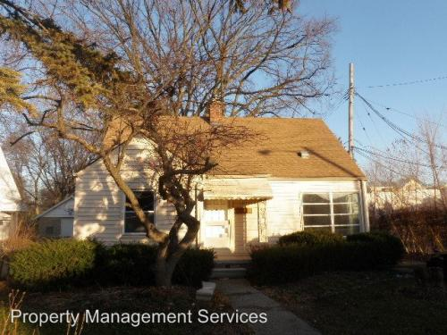 23040 Roanoke Avenue Photo 1