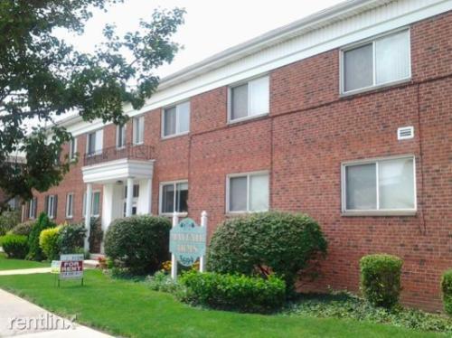 3694 Warrensville Center Road Photo 1