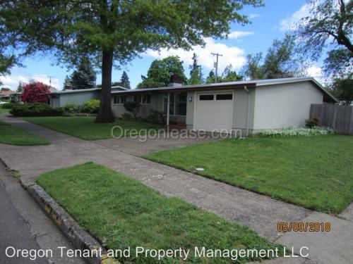 992 W 18th Place Photo 1