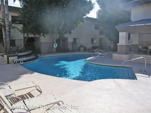 3235 E Camelback Road Photo 1