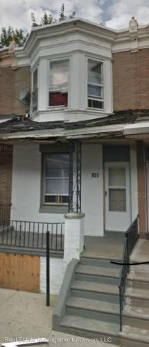 621 E Thayer Street Photo 1