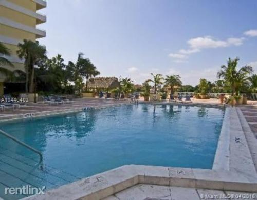56000 Collins Avenue #5B Photo 1