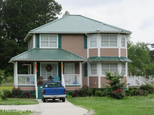 100 Pine Forest Drive Photo 1