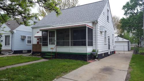 23788 Harding Avenue Photo 1