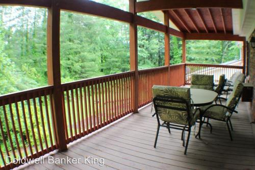 112 Crooked Creek Road Photo 1