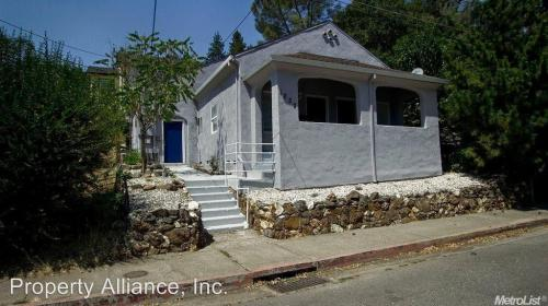 1032 Spring Street #A Photo 1
