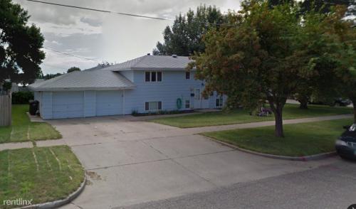 1603 E Bowen Avenue Photo 1