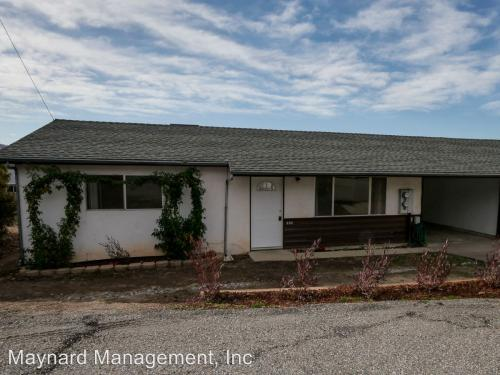 402 Russells Road Photo 1