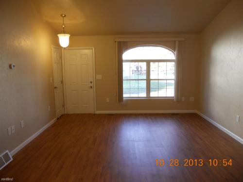 301 S Maple Avenue Photo 1