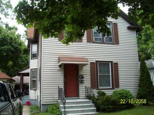 609 Thomson Street Photo 1