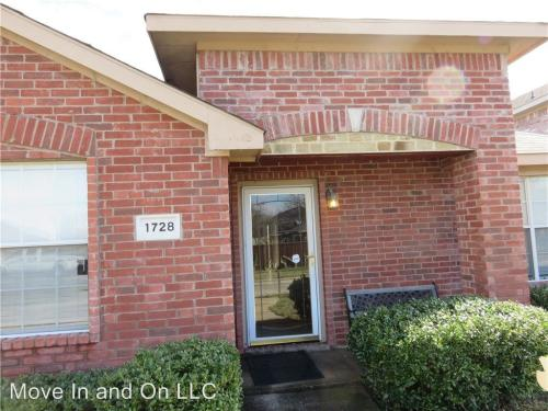 1728 Cedar Trail Photo 1