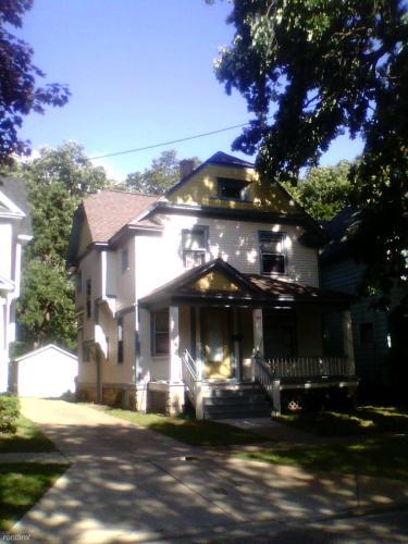 517 Oak Street Photo 1