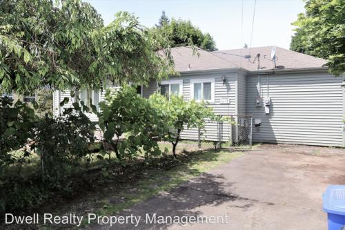 6639 SE 65th Ave Referred By Your Agent Laura Wood Photo 1
