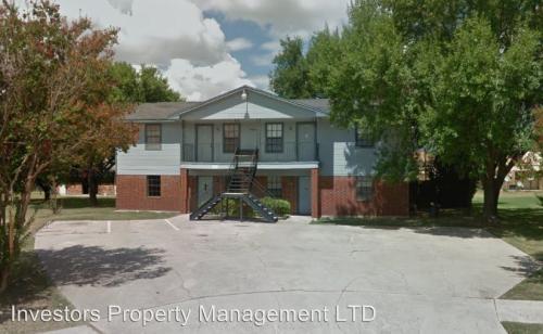 4805 Cedarhill Circle Photo 1