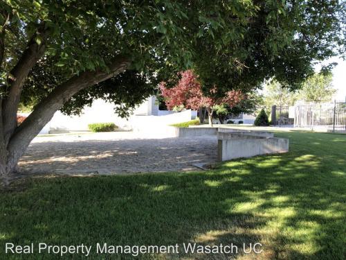 275 S Parkside Court Photo 1