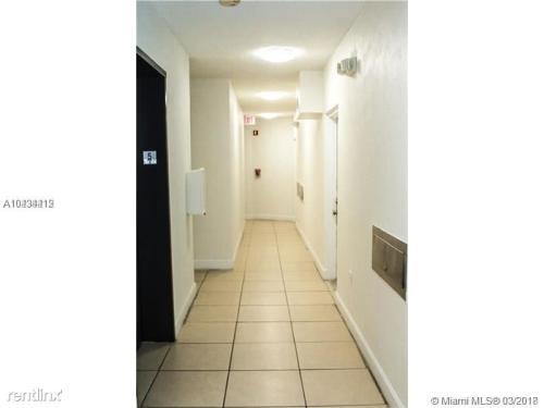 3051 SW 27th Avenue Photo 1
