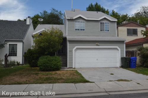 393 Park Creeke Lane Photo 1