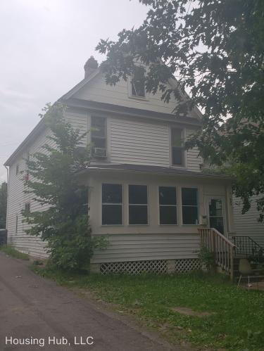 593 Magnolia Avenue E Photo 1